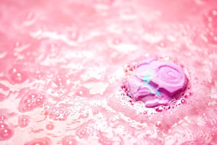 Rose Bombshell Bath Bomb